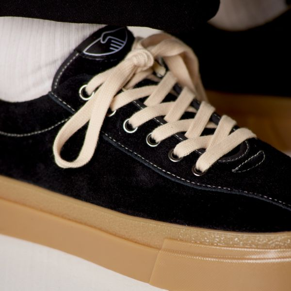 Stepney Workers Club Unisex Trainers Dellow Raw Suede Black/Gum Close Up